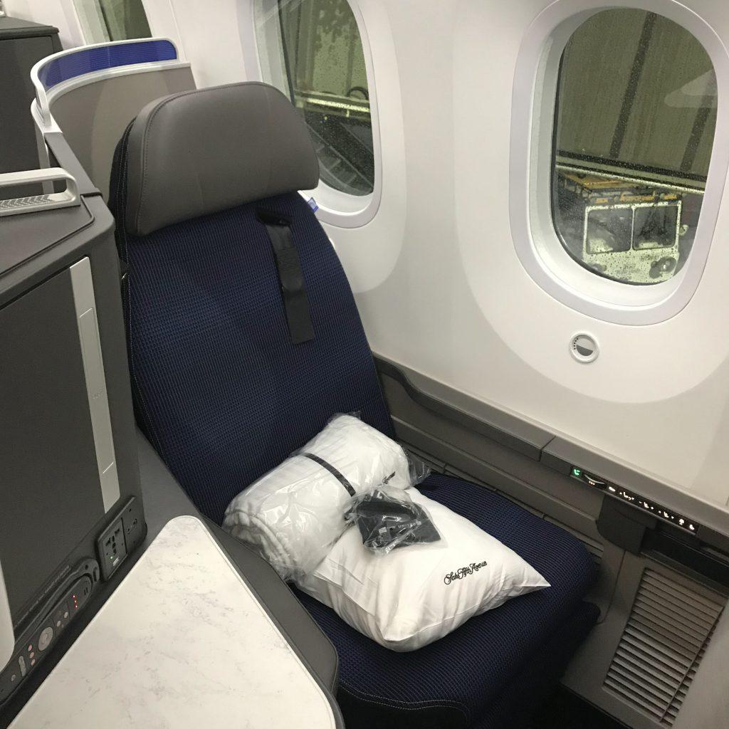 United 787-10 (Newark - LA)