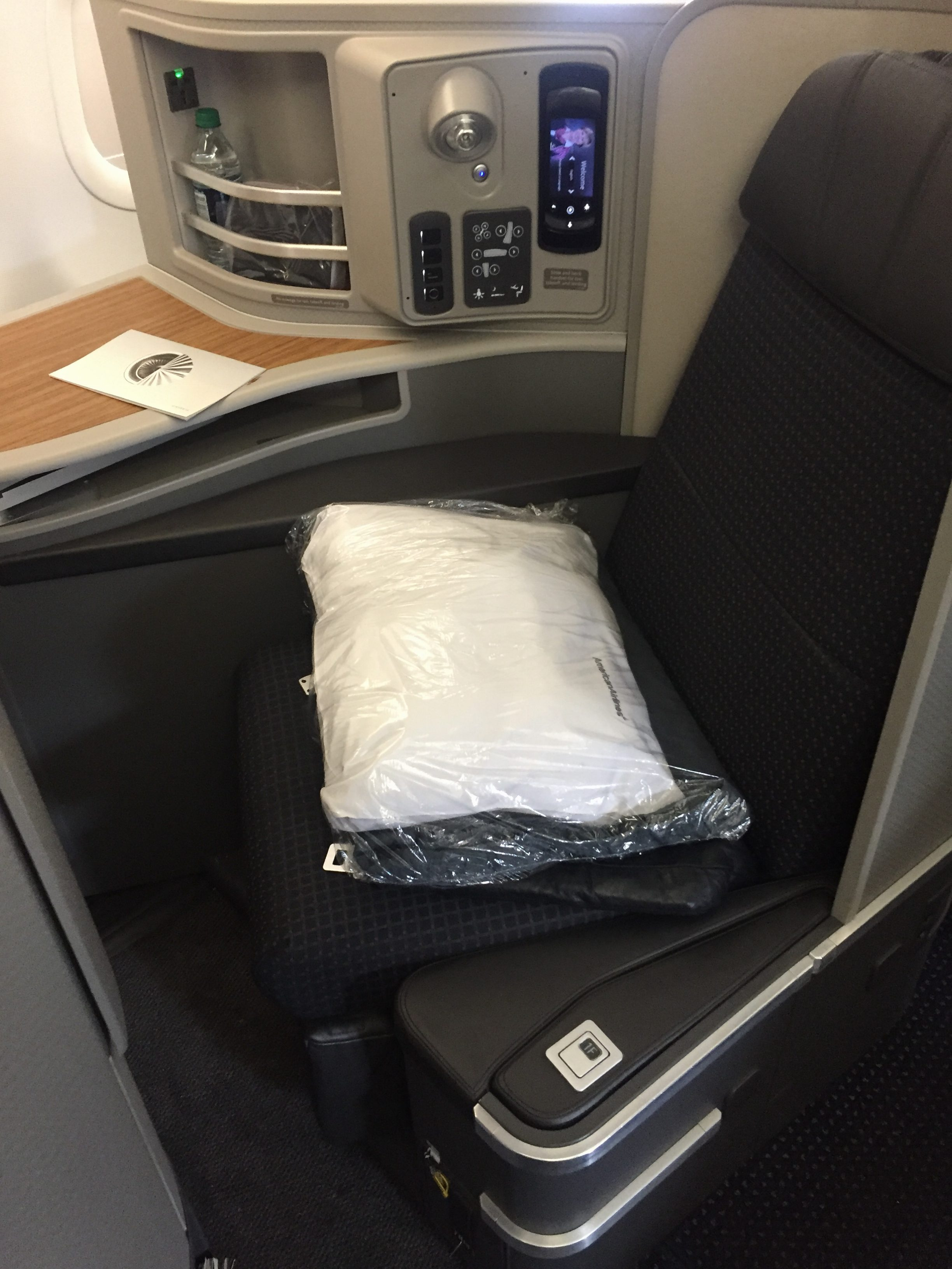 First class seat on American Airlines transcon - JFK-LAX/SFO